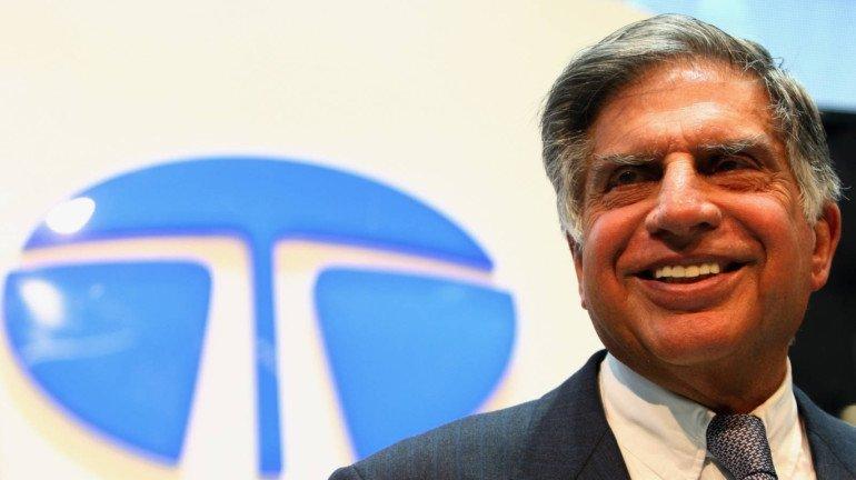 Mumbai Rains: Ratan Tata applauds employee for sharing umbrella with stray dog