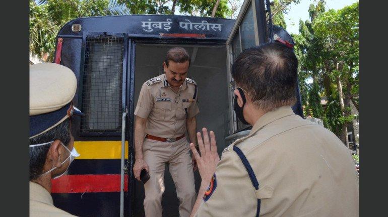 मुंबई पोलिसांच्या सुरक्षेसाठी 'सॅनिटायझेशन व्हॅन'