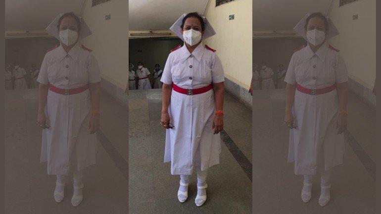 कोरोनाचा सामना करण्यासाठी महापौर बनल्या नर्स