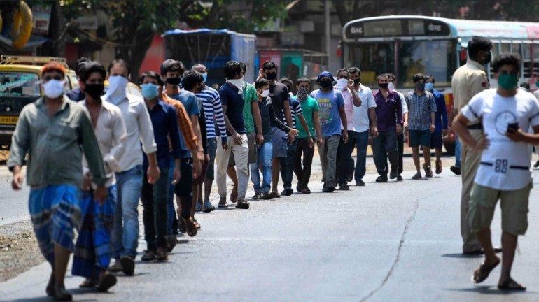 Coronavirus in Dharavi: म्हणून धारावीचं कौतुक करावं तेवढं कमीच