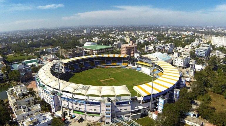IPL 2021 : वानखेडे ग्राऊंड में फैला कोरोना, IPL मैच में उठे सवाल