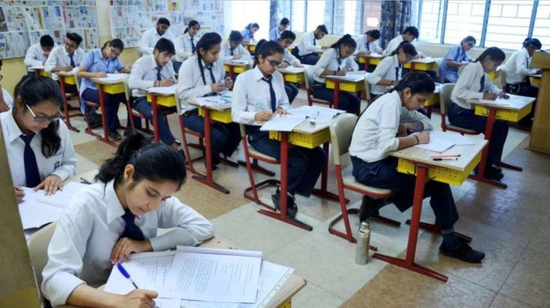 Students urge to take a call on SSC assessment pattern; cancel HSC exams