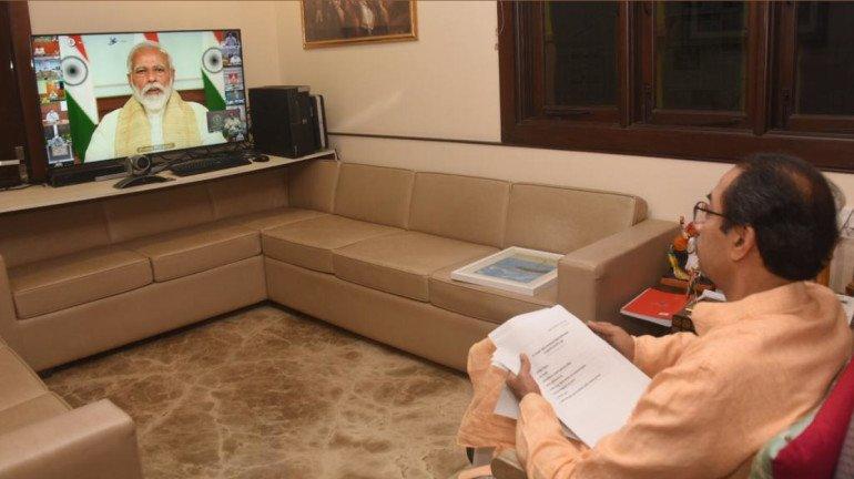 cyclone tauktae: महाराष्ट्राला 'तौंते'चा फटका; पंतप्रधानांचा उद्धव ठाकरेंना फोन