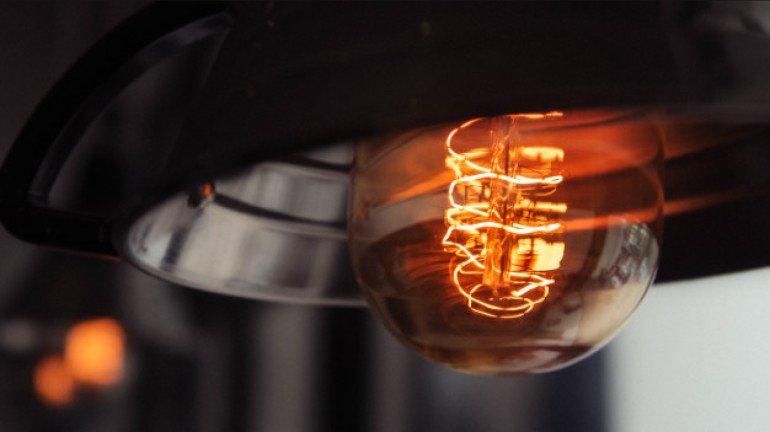 वीज जोडण्या पूर्ववत करा, अजित पवारांचे महावितरणला निर्देश