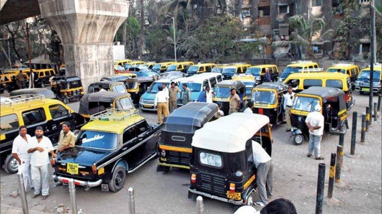 रिक्शा और टैक्सीवालो पर दोहरी पड़ती मार