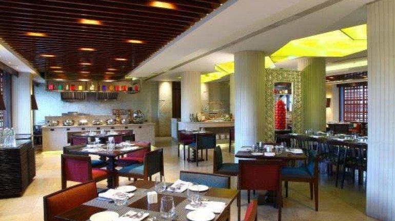 होटल शुरू तो हुए लेकिन ग्राहकों को कम रहा प्रतिसाद