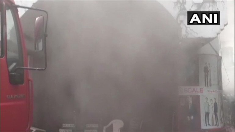 Fire breaks out at a mall in Borivali West