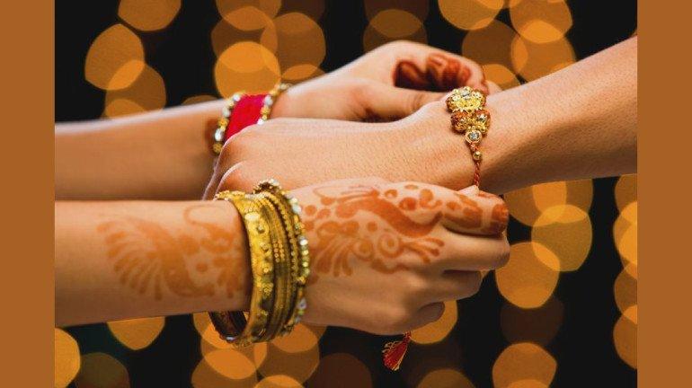 इस साल कलाई पर सजेगी 'हिन्दुस्तानी राखी'