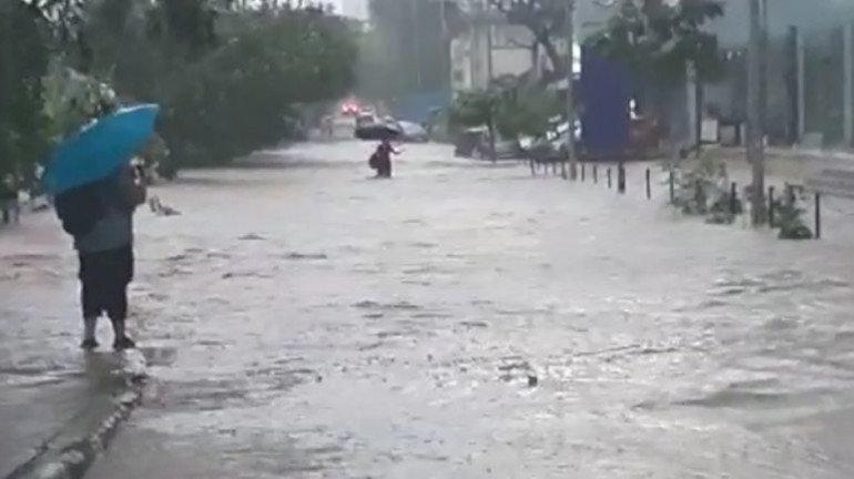 Mumbai Rains : गणेशोत्सवावर वादळी पावसाचं संकट, मुंबई-ठाण्यात अलर्ट