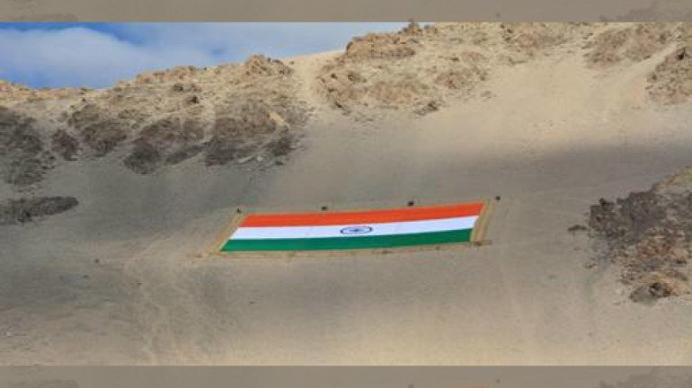Approx 1400kg Indian flag made of Khadi unveiled on Gandhi Jayanti