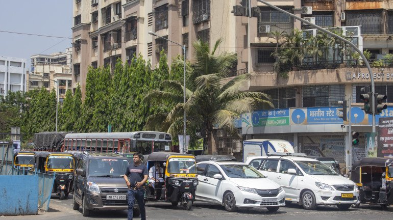 Mumbai motorists spent an average of 8 days and 17 hours stuck in traffic last year