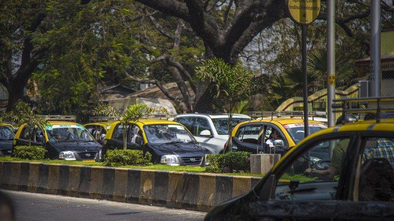 ऑटो और टैक्सी यूनियन की मांग, पूरी सवारी बैठाने की मिले अनुमति