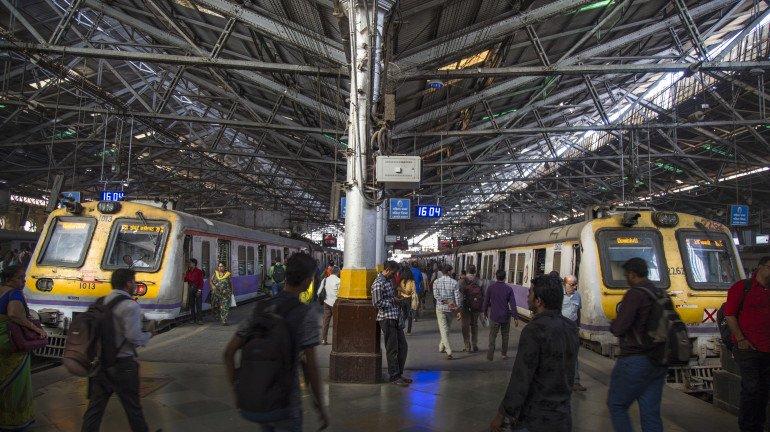 मध्य रेलवे के भायखला और सीएसएमटी स्टेशन के एक-एक ब्रिज मरम्मत कार्य के कारण होंगे बंद