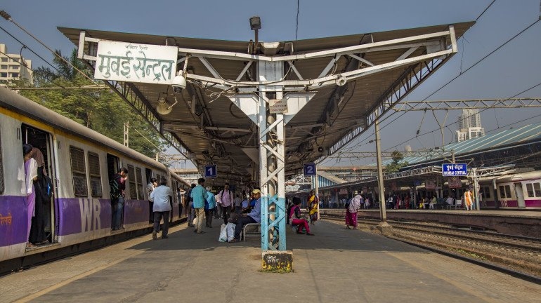 CSMT and Mumbai Central to become country's first 'Eat Right Stations'