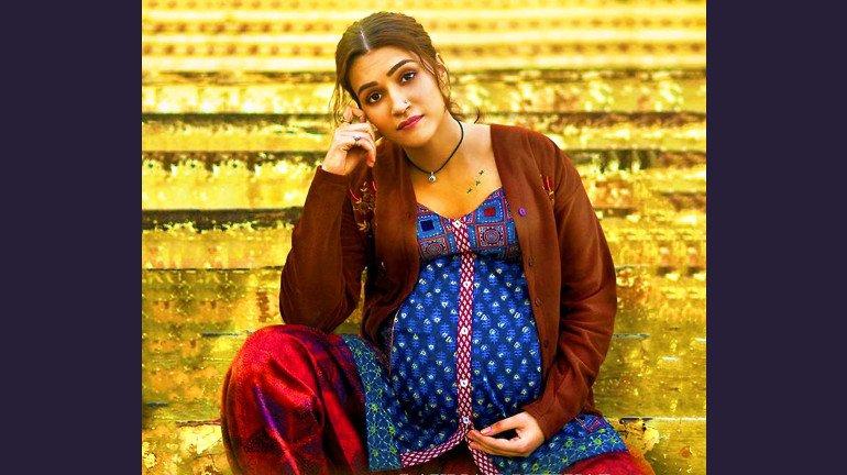 Mimi Review: Kriti Sanon shines in this surrogacy dramedy