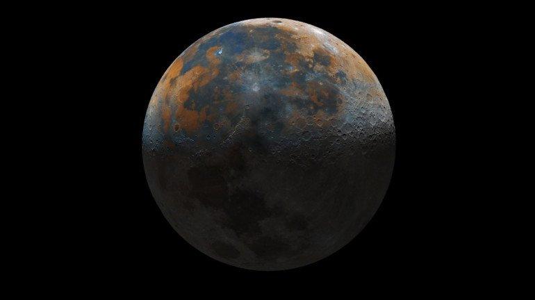 १६ वर्षांच्या मुलाची कमाल, कॅमेरात कैद केले चंद्राचे फोटो