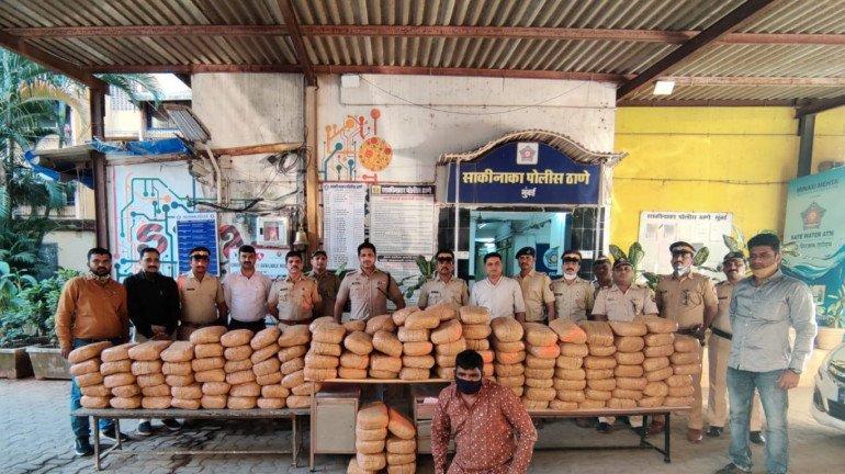 मुंबई : साकीनाका से करीब 52 लाख का गांजा बरामद