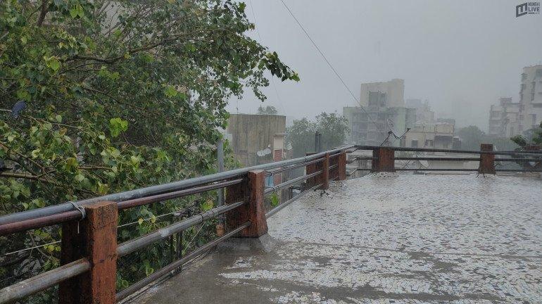मुंबई, नवी मुंबई, ठाण्यात पावसाची जोरदार बॅटिंग; सखल भाग पाण्याखाली