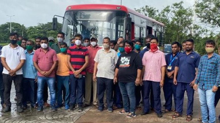 NMMC special team leaves for Mahad to conduct rescue operations