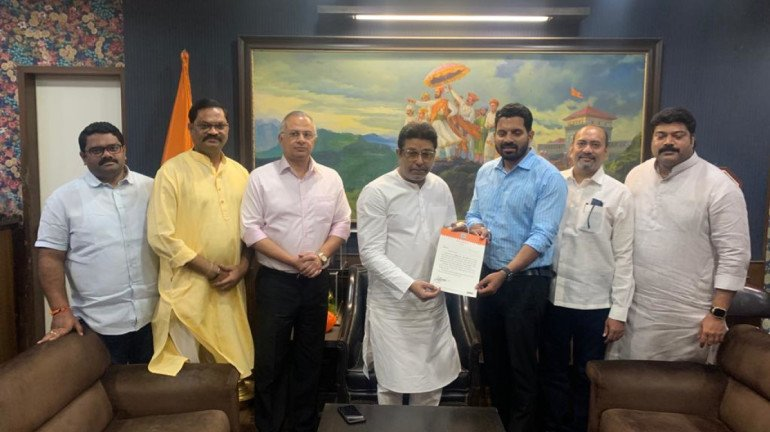 After 2 senior leaders quit party, MNS appoints Manoj Gharat as Dombivali city president