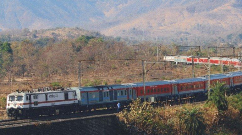 रेलवे पुलिस ने टिकट बेचने वाले अनधिकृत दलालों के खिलाफ की कार्रवाई