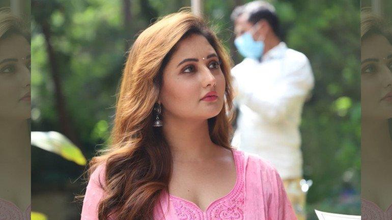 """I was already his huge fan,"" confessed Rashami Desai about her co-star Tanuj Virwani"