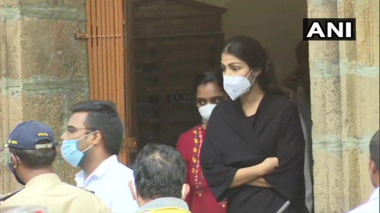 सुशांत आत्महत्या प्रकरण: एनसीबीचे मुंबईत विविध ठिकाणी छापे