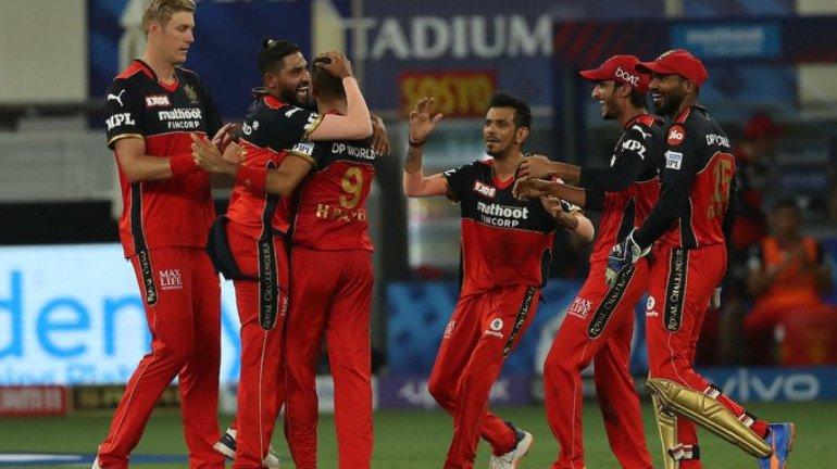 'विराट'सेनेनं मुंबई इंडियन्सला दिली ५४ धावांनी मात