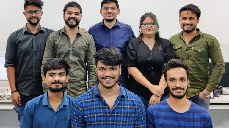 From No-Where To Now Here: PortraitFlip, A Young Startup With A Revenue Of 6 Crores