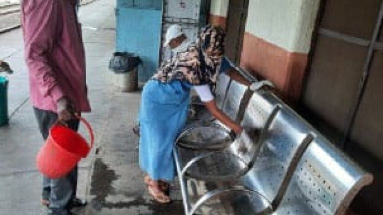 Maharashtra: CR Observes 'Swachha Station' – Swachhta Pakhwada