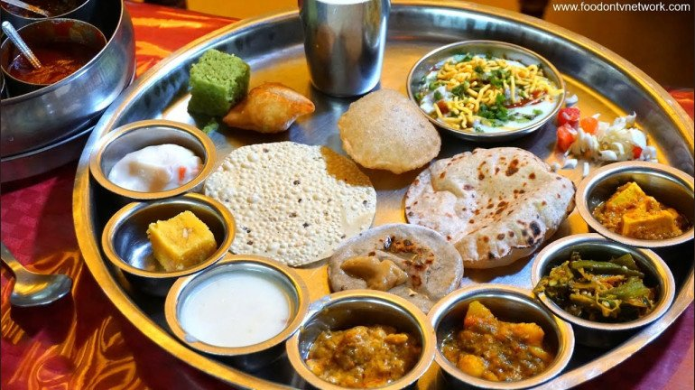 Mumbai: Top 5 Places to Enjoy Traditional Gujarati Thali