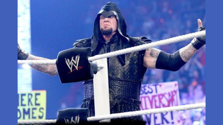 ३० वर्ष मनोरंजन केल्यानंतर अंडरटेकरची WWE मधून निवृत्ती