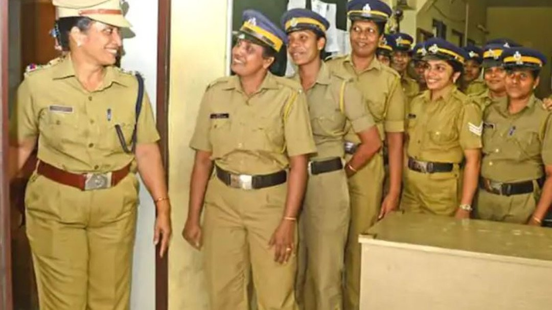 Maharashtra govt reduces working hours for women cops to 8 hours