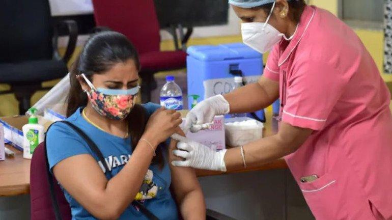 मुंबई में महिलाओं के टीकाकरण पर जोर, सप्ताह में एक दिन महिलाओं के लिए आरक्षित