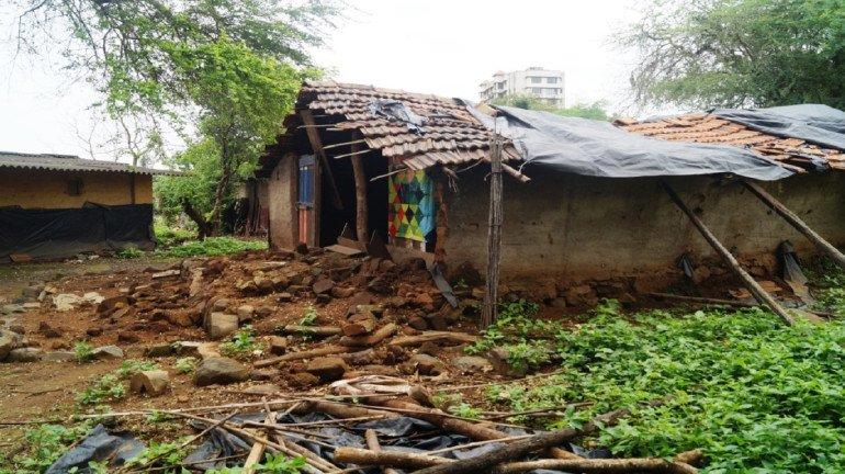 आरेतील आदिवासींना आरेमध्येच मिळणार पक्की घरं