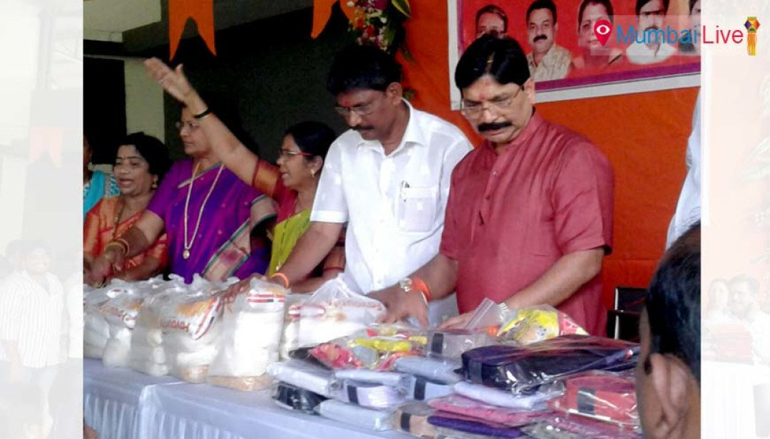 Waikar celebrates Diwali with Aarey Colony tribals