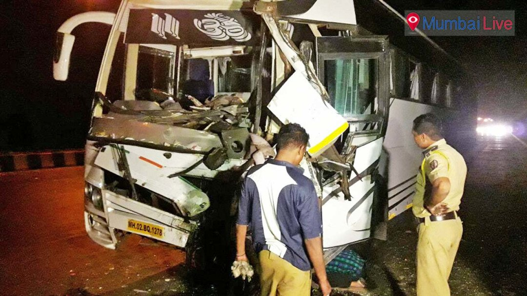 Buses collide on Eastern Express highway, none hurt