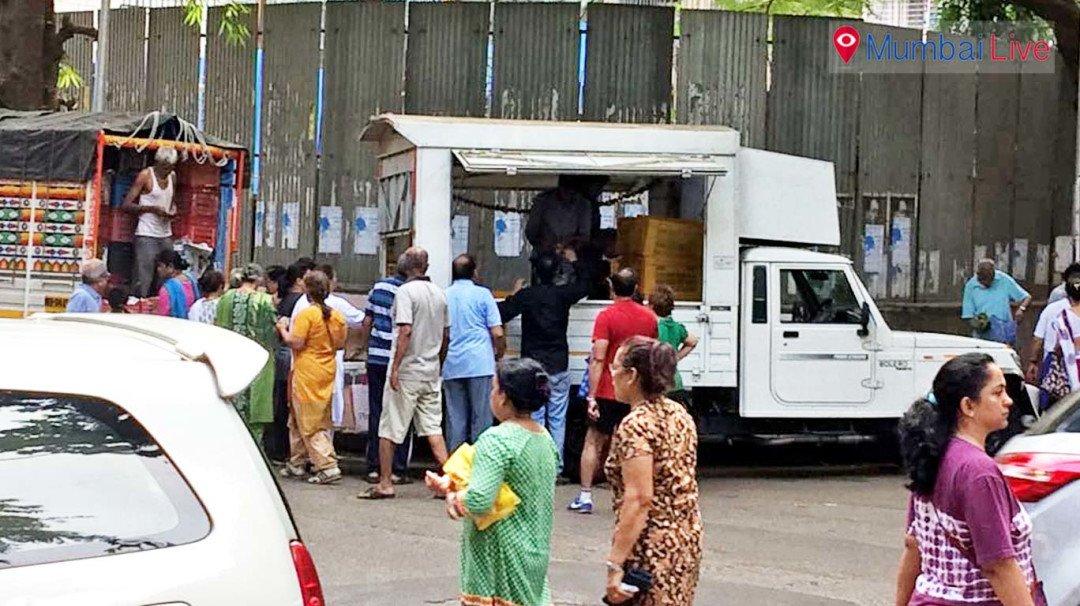 Police ask illegal veggie vans to vamoose