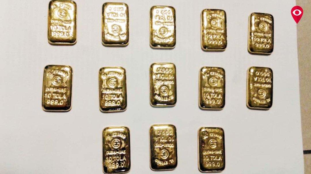 पार्श्वभागातून सोन्याच्या बिस्किटांची तस्करी