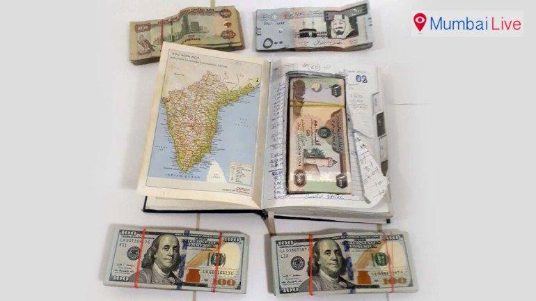 एयरपोर्ट पर 43 लाख की विदेशी मुद्रा जब्त
