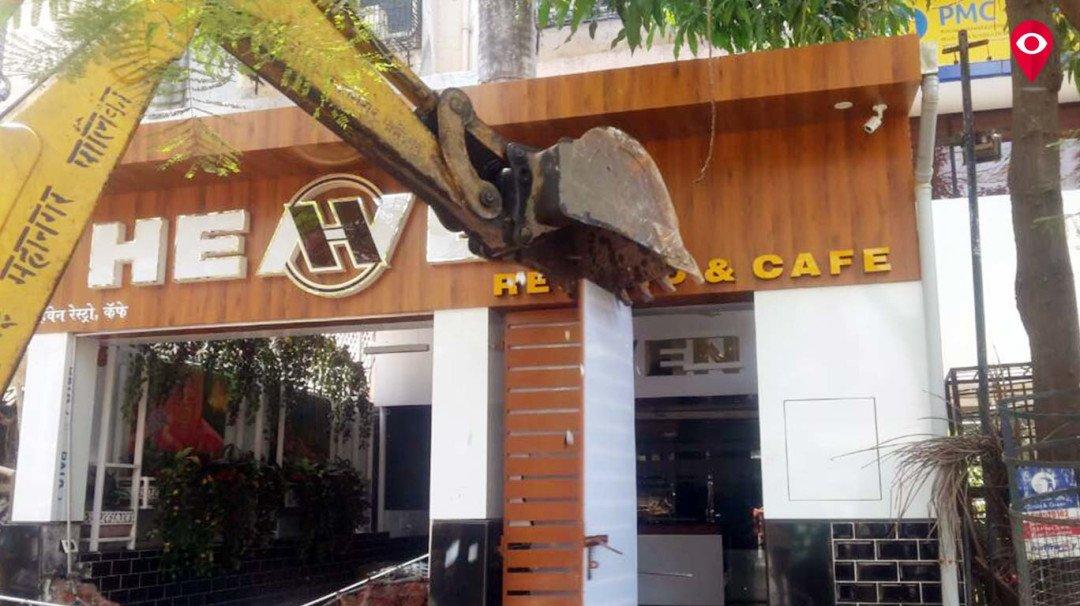 BMC razes illegal constructions in Jogeshwari, Govandi