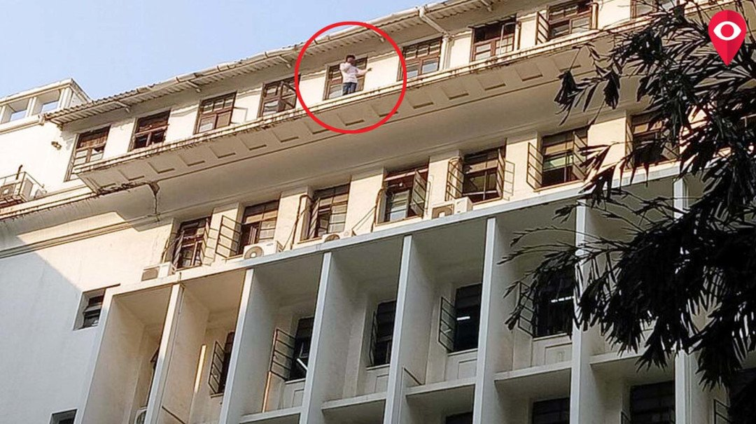 Man threatens to commit suicide after climbing the Mantralaya building