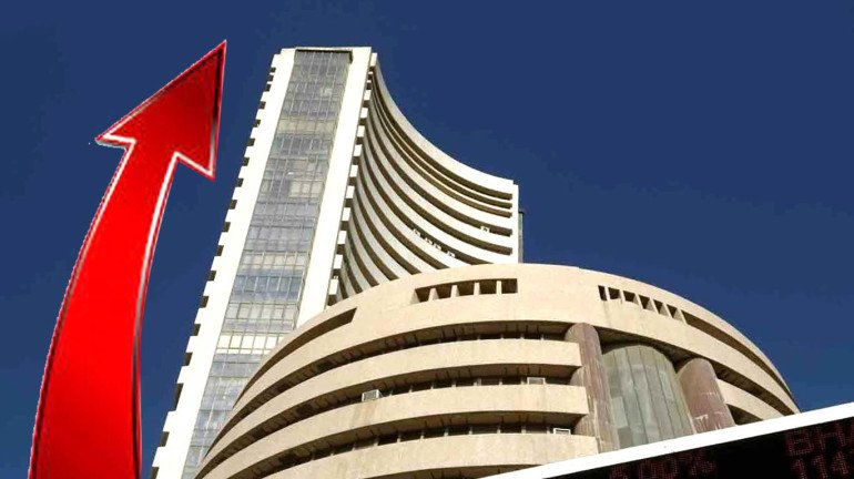 Sensex rises to 32,643 points; Nifty crosses the 10,000 mark