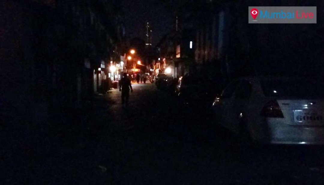 Street lights go kaput on Jamsandekar Marg