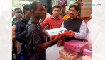 Waikar celebrates Diwali with 'Divyangas'