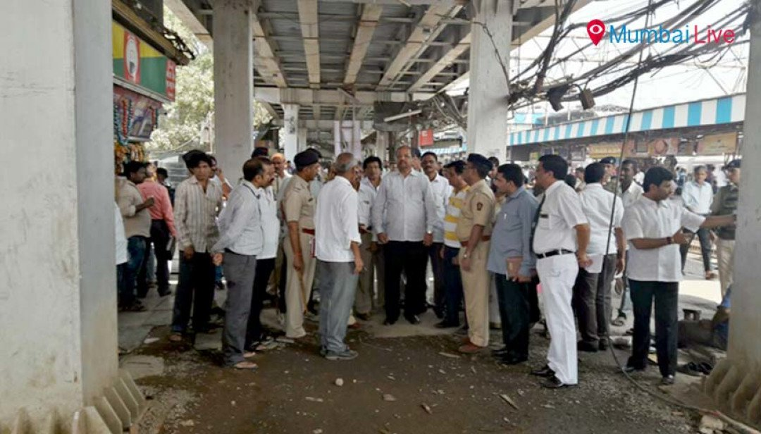 Gopal Shetty inspects repair work at Borivali station