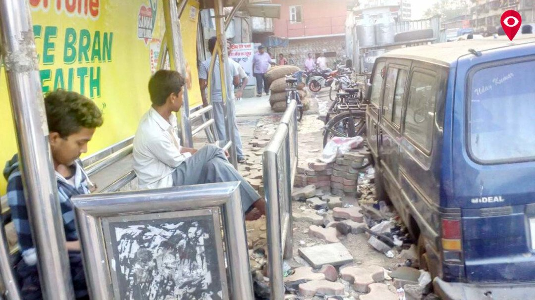 Bus stop in Labour Camp in Matunga in a pathetic state