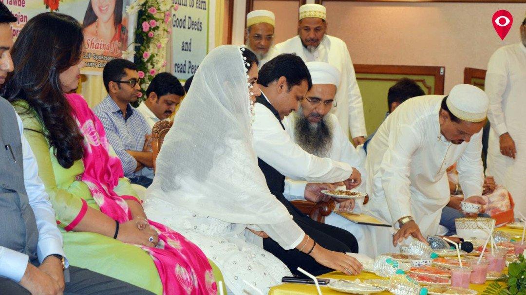 बोहरा समाज की इफ्तार पार्टी में मुख्यमंत्री फडणवीस हुए शामिल