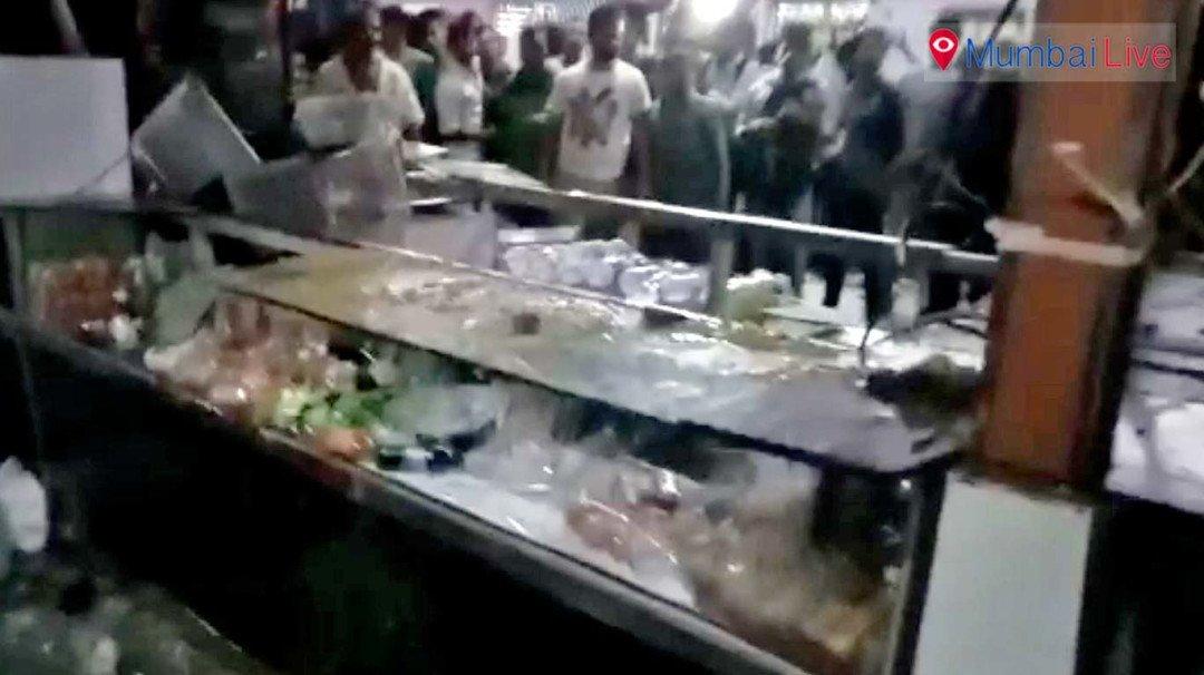 Passengers ransack Kurla's railway canteen
