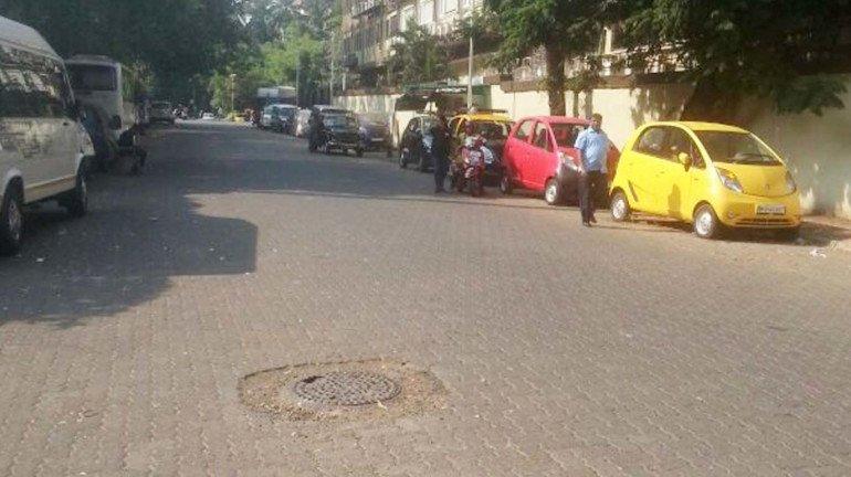 'इथे' तर गाड्यांची पार्किंग, अभ्यास करायचा कुठे?